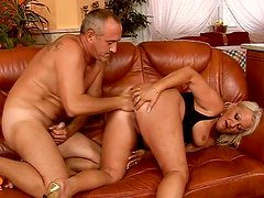 Fat mature hooker Goldie is riding hard stick in dirty anal fuck scene