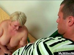 She blows her son in law with passion
