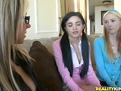 Amy Quinn Fucking In Foursome With Friends