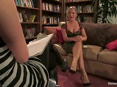 Sexxxy Blonde Dominatrix Has A Lot Of Stamina To Dominate Her Sexual Slave!