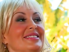 Young boy can not resist this incredible MILF
