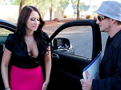 Divine brunette hottie gives blowjob to stinky homeless dude