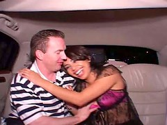 Bootylicious brunette Eva Lopez is undressing in the backseat