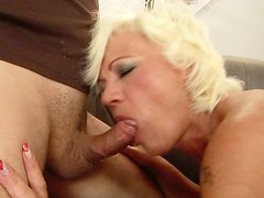 Mature trollop gets her butthole fucked in missionary position
