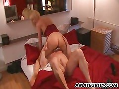 Amateur girlfriend does anal with huge cumshot