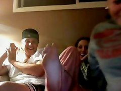 3 girls flashing (Chatroulette)