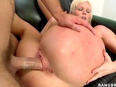 Big ass first timer fucked on couch