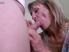 Old slut mom gets a fuck on a toilet