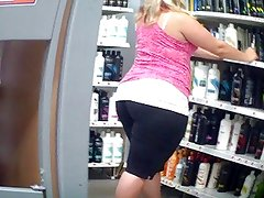 ThiCk Blonde Ass Spandex BbW