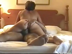 Hot ass on a cock riding amateur