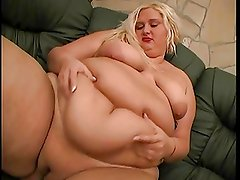 Blonde bbw masturbates and plays with her big belly