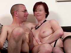 Britsh classy mature gets pussydrilled
