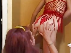 FRENCH MATURE n48 mom and young babe lesbians