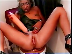 she squirts and squirts and squirts