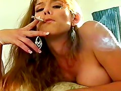 Cunt vibrated as she smokes