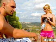 Hot outdoor sex with a luscious blondie Aleska Diamond