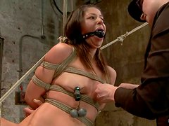Hogite bondage and suspension for a lust Mia Gold