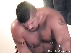 Beefy bears fucking in a hotel room