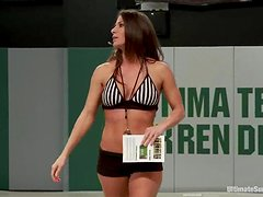 Heavy weight chicks get on the ring to fight hard