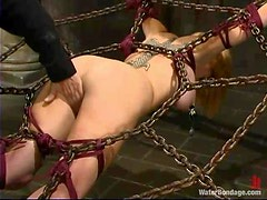 Kinky Darling loves, when her pussy gets sprayed all over