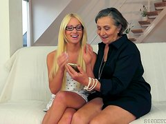 Lewd granny Kata gets her hairy snatch licked by Kiara Lord