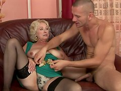 Spoiled granny with big tits gets her pussy expertly eaten out