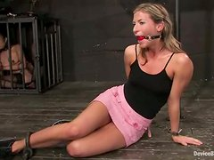 Annie Cruz gets her cunt shaved and toyed in BDSM clip