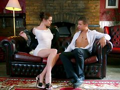 Magnetic brunette cutie in high heels gets her pussy expertly eaten out