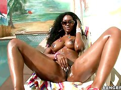 Nyomi Banxxx with juicy ass has fire in her eyes