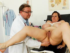 Mature BBW babe Olena doing a medical exam