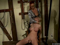 Blonde Katy Parker gets her hole used by Natasha Brill
