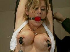 Hot Felony gets tied up in a gym and toyed by a machine