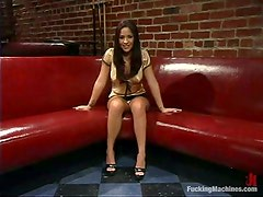 Jenaveve Jolie gets satisfied by a fucking machine in the living room