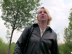 Amateur curvy Russian chick Vera gives blowjob in the wild