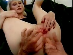 Naughty mature woman wanted some anal sex