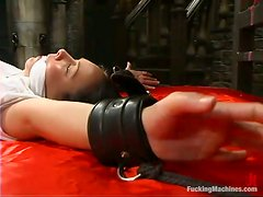Julie Night gets her butt drilled hard by a fucking machine