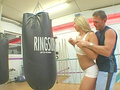 Intimate training session with bootyful babe