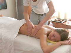 Sex-starved nympho with well-shaped ass needs a full body massage