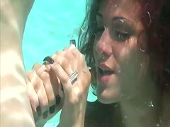 Underwater sex with a sizzling redhead chick