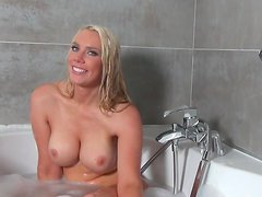 Fake-tit blonde Taylor Shay is taking shower