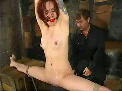 HOrny redhead gets her twat rubbed pretty hard