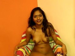 Amateur Indian chick gets naked and masturbates in the homemade clip