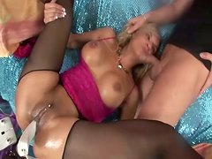 Bizarre pussy stretching action for raunchy hooker named Klarisa