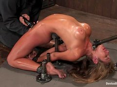 OIled up body of Felony is being arched so fucking hard