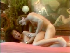 Juggy brunette slut Angelica gives her head and gets her puss fucked