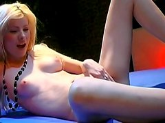 Spicy bleached model is fingering and swallowing
