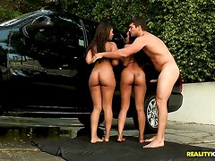 Ramon Nomar makes Leilani Leeane gag