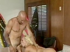 Bleached babe Dolly Golden is sucking a dick