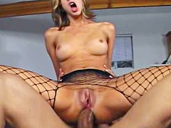 Kelly Wells proves herself an anal whore