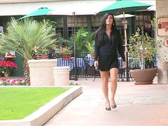 Fearless Hottie in High Heels Gets Buck Naked in Public